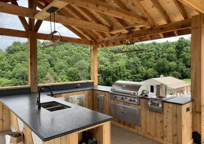 Custom Home Covered Outdoor Kitchen & Patio